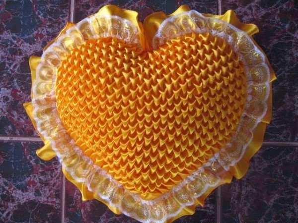 almofada capitone coração