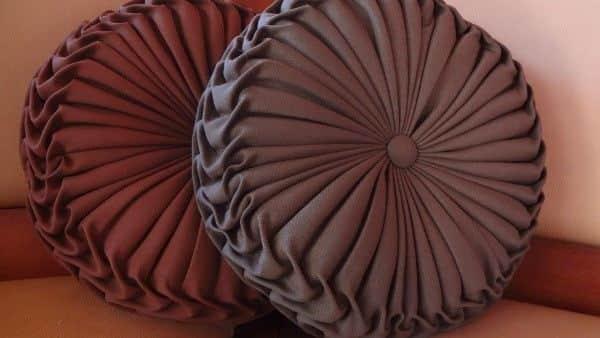 almofada redonda capitonê