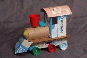 trem_feito_com_material_reciclado