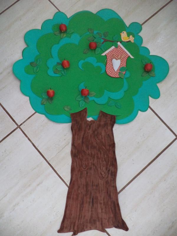 árvore em eva com casinha de passarinho