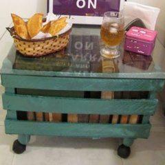 Mesinha de Caixote 1 Como fazer mesa de caixote de feira