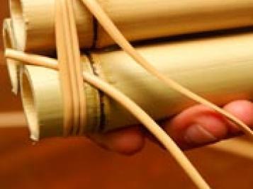 como fazer vaso de flor com bambu passo a passo artesanato passo a passo. Black Bedroom Furniture Sets. Home Design Ideas