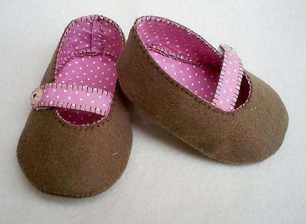 Moldes de sapatinhos de bebê em EVA