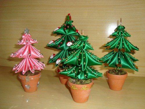 Como fazer árvore de Natal de fita de cetim