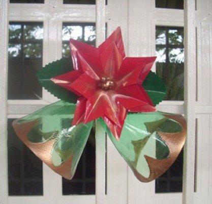Como fazer enfeites de natal com garrafa pet artesanato - Adornos de navidad con material de desecho ...