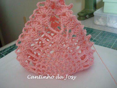 Como fazer o crochê e unir o saquinho (Foto: Divulgação).
