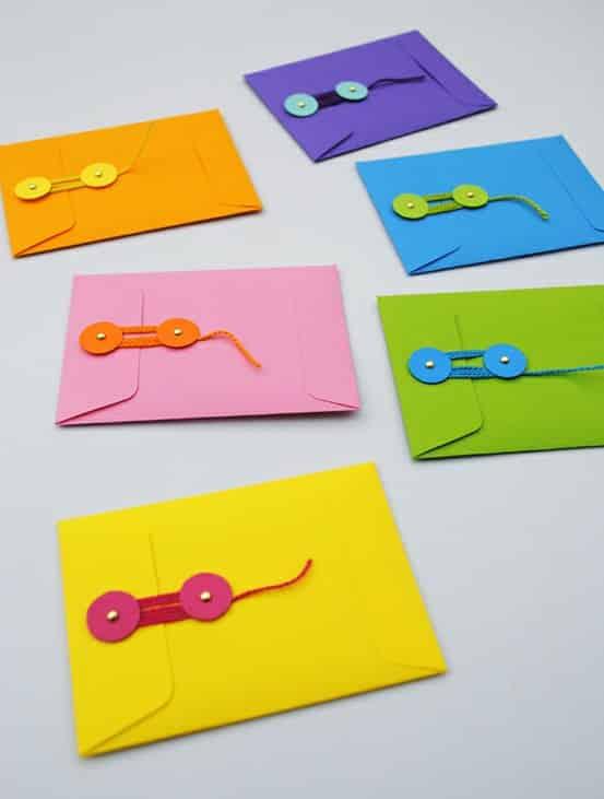 envelope com fecho