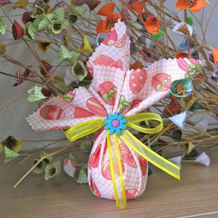 Encha suas cestas de Páscoa com ovinho decorado com tecido e faça a alegria de crianças e adultos (Foto: Divulgação)