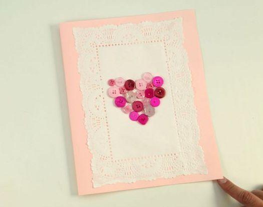 O cartão decorado para dia dos namorados é ótima opção para incrementar seu presente e deixar a data ainda mais especial (Foto: Divulgação)