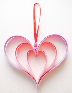 Este enfeite de coração para o dia dos namorados é charmoso e pode ser incorporado a qualquer cantinho de sua casa (Foto: Divulgação)