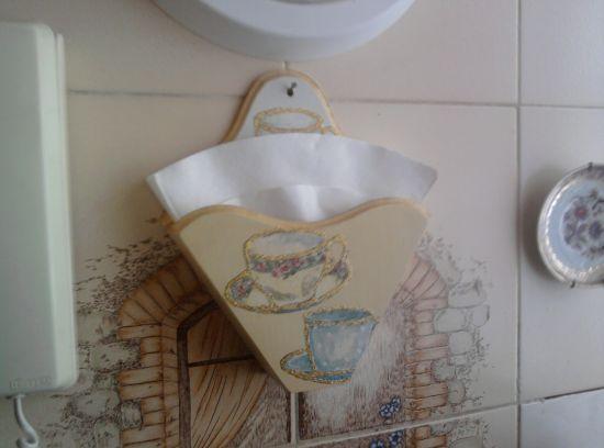 O porta filtro de café em MDF deixará sua cozinha muito mais interessante (Foto: Divulgação)