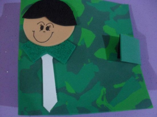 Este porta CD para o dia dos pais é ótima opção de lembrancinha para fazer com suas crianças (Foto: Divulgação)
