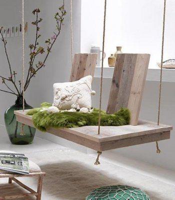Este balanço de madeira pode ser incorporado em decorações de qualquer área de sua casa (Foto: Divulgação)