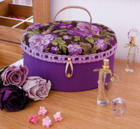 Esta maleta de cartonagem também é ótima opção de presente (Foto: Divulgação)