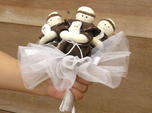 O buquê de santo Antônio é a nova grande moda entre as noivas (Foto: Divulgação)