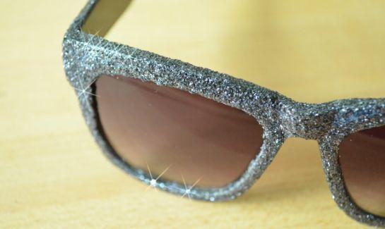 7860dc632 Passo a Passo para Customizar Óculos de Sol - Artesanato Passo a Passo!
