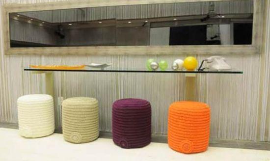 Este pufe de crochê é muito fácil de ser feito e renovará o visual de seu lar (Foto: Divulgação)