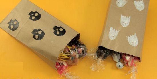 Esta sacola decorada para Halloween também pode ser utilizada como lembrancinha em sua festa (Foto: Divulgação)