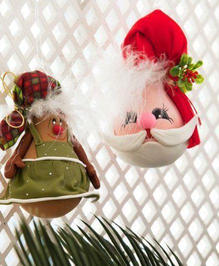 Este artesanato de Natal com lâmpada deixará a sua casa muito mais charmosa (Foto: Divulgação)