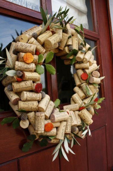 Esta guirlanda de Natal feita de rolha pode ter o estilo que você quiser (Foto: Divulgação)