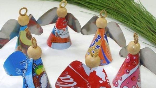 Estes anjinhos de Natal com lata e alumínio são ótimas e baratas peças decorativas para a sua casa (Foto: Divulgação)