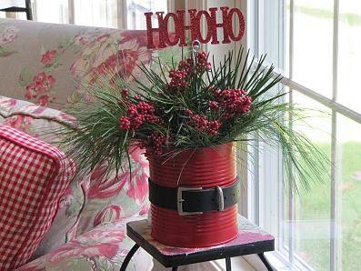 Inove este ano no décor natalino de seu lar com este diferente artesanato de Natal com lata de leite (Foto: Divulgação)