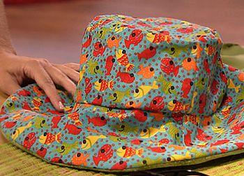 Faça este chapéu de praia e receba muitos elogios por onde passar (Foto   Divulgação 0df110f2bc5