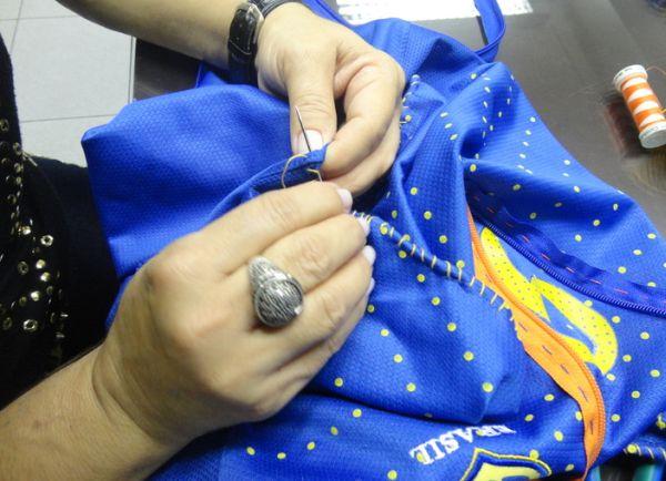 3bd104662d (Foto  Divulgação). (Foto  Divulgação). Esta ideia para customizar camisa  para Copa ...