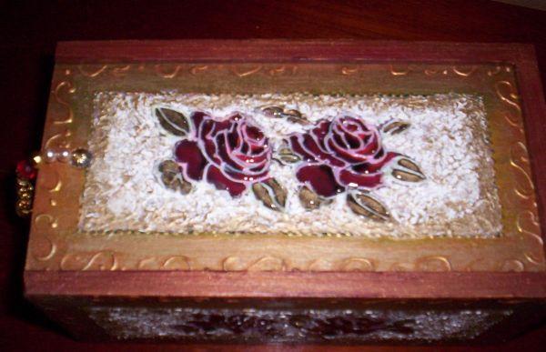 Esta linda técnica de textura vitrificada deixará as suas peças muito mais charmosas e sofisticadas (Foto: Divulgação)