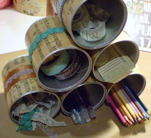 Este organizador com lata de leite é diferente, lindo e muito útil (Foto: craftsunleashed.com)