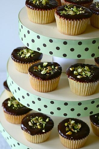 Esta torre para cupcake irá fazer o maior sucesso em sua festa (Foto: ehojevaiserumafesta.com)