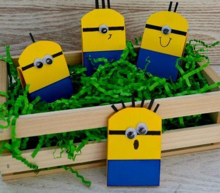 Estes simpáticos Minions vão alegrar quem os receber como lembrancinha (Foto: athriftymom.com)