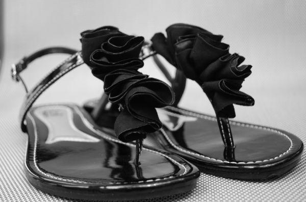 Reformar sandália é mais fácil do que você imagina e também mais barato (Foto: craftaholicsanonymous.net)