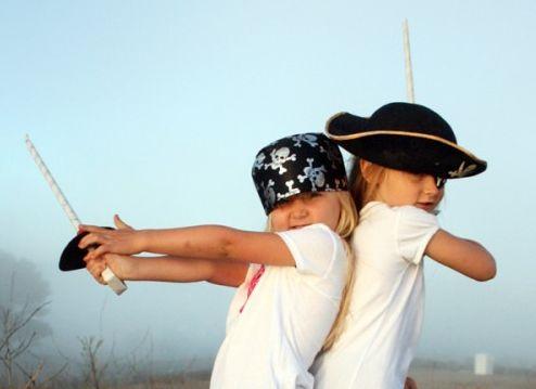 Esta espada de pirata agrada a meninos e meninas, sem distinção (Foto: alphamom.com)