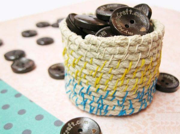 Suas crianças irão adorar este porta-moedas de barbante (Foto: myhempcraft.com)
