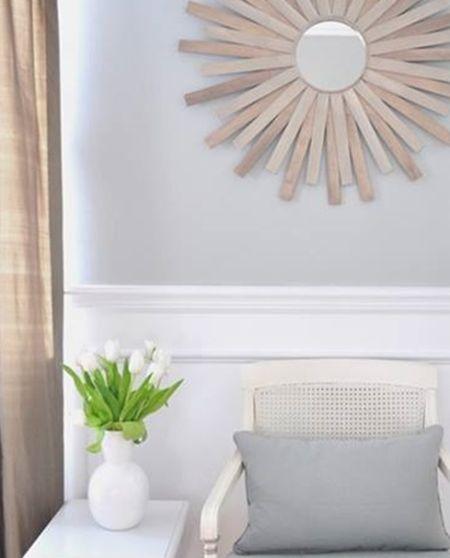 Com este espelho sol qualquer espaço de sua casa ganha fôlego novo (Foto: decomanitas.com)