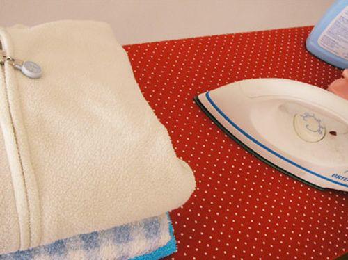 Forrar tábua de passar roupas é mais fácil do que você imagina (Foto: superziper.com)