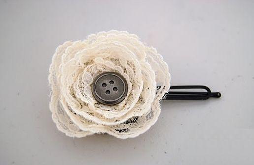 Flor de renda para cabelo é solução para renovar os seus looks (Foto: casadadani.blogspot.com.br)