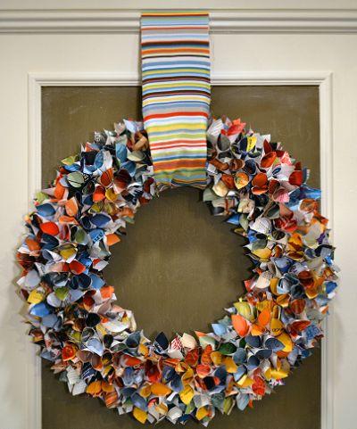 É muito barato criar esta guirlanda feita de revista usada, e com um visual muito bonito (Foto: lote64.blogspot.com.br)