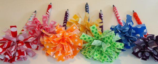 Escrever ficará muito mais interessante com este lápis encapado com tecido (Foto: sewsara.blogspot.com.br)