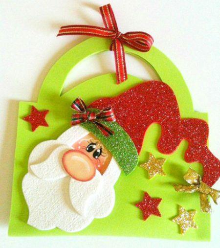Bolsinha de Natal em EVA pode transportar dentro o presente que você quiser (Foto: sinimbu.com.br)