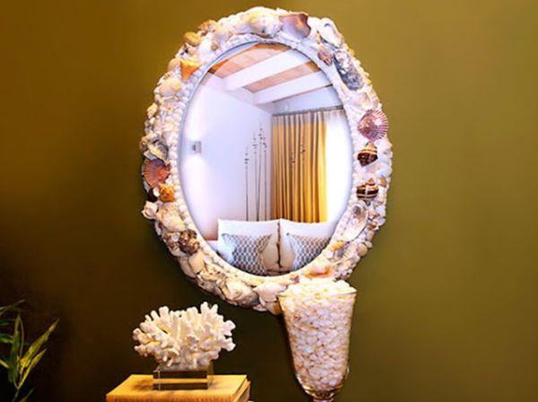 Esta moldura de espelho com conchas é diferente e muito interessante (Foto: chaodegizartesanatos.blogspot.com.br)