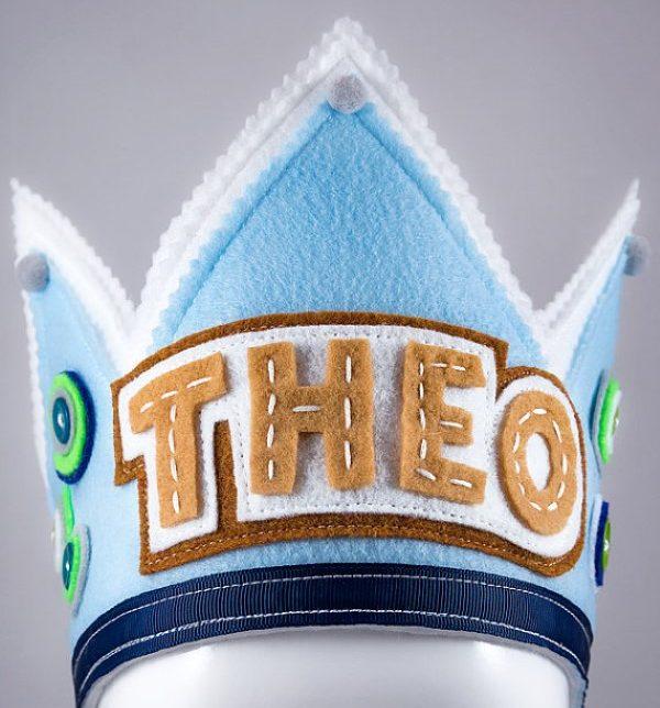 coroa de feltro personalizada