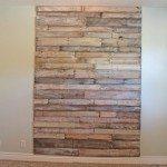 Personalizar uma parede de pallets é mais fácil do que você imagina (Foto: theroosterandthehen.com)