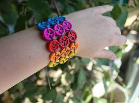 Esta pulseira de botões é perfeita para o verão (Foto: valeoclique.com.br)