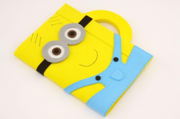 Encapar cadernos com EVA é barato, mas ao final, o trabalho fica muito bom (Foto: criarpassoapasso.blogspot.com.br)