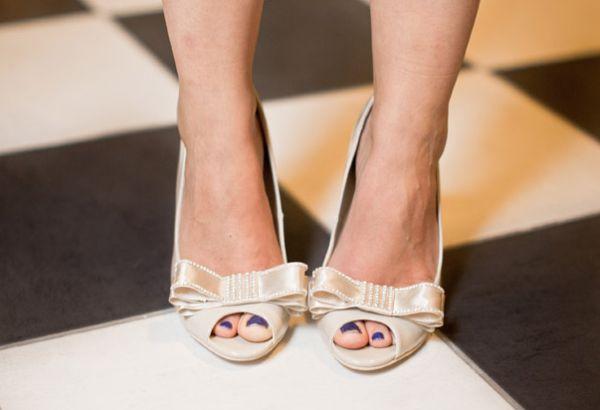 Customizar um sapato para noiva e conseguir uma peça exclusiva pode ser o diferencial em seu casamento (Foto: weddingobsession.com)