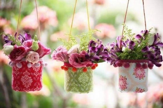 Este vaso de flores com garrafa pet é barato, mas muito lindo (Foto: vilamulher.com.br)