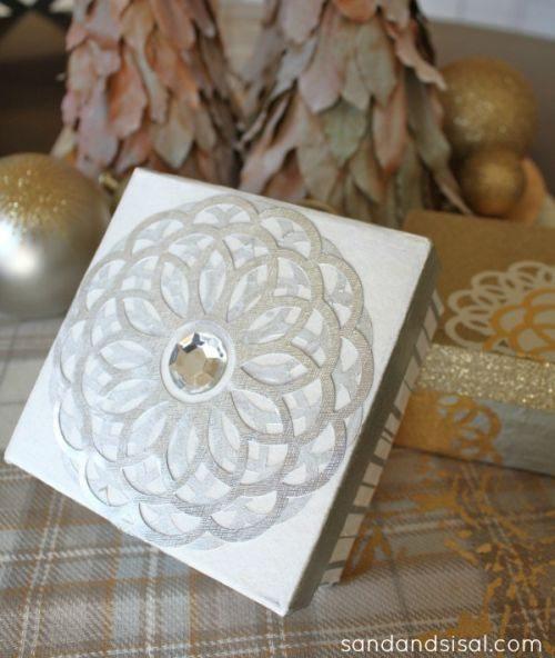 Caixinha de papel machê decorada pode ter o modelo, estilo e combinação de cores e estampas que você quiser (Foto: sandandsisal.com)