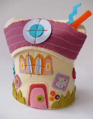 Faça esta casinha porta-treco feltro e alcance o sucesso (Foto: craft-craft.net)
